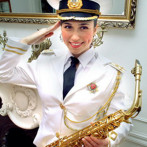 Леди — саксофон: музыка и костюмированное шоу