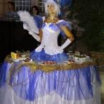 «Живые» столы, живые статуи и Боди арт