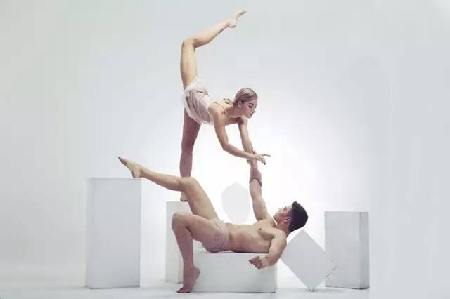 """Акробатический дует """"Art in Motion"""""""