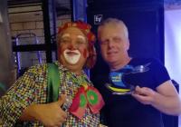 Клоун взрослым